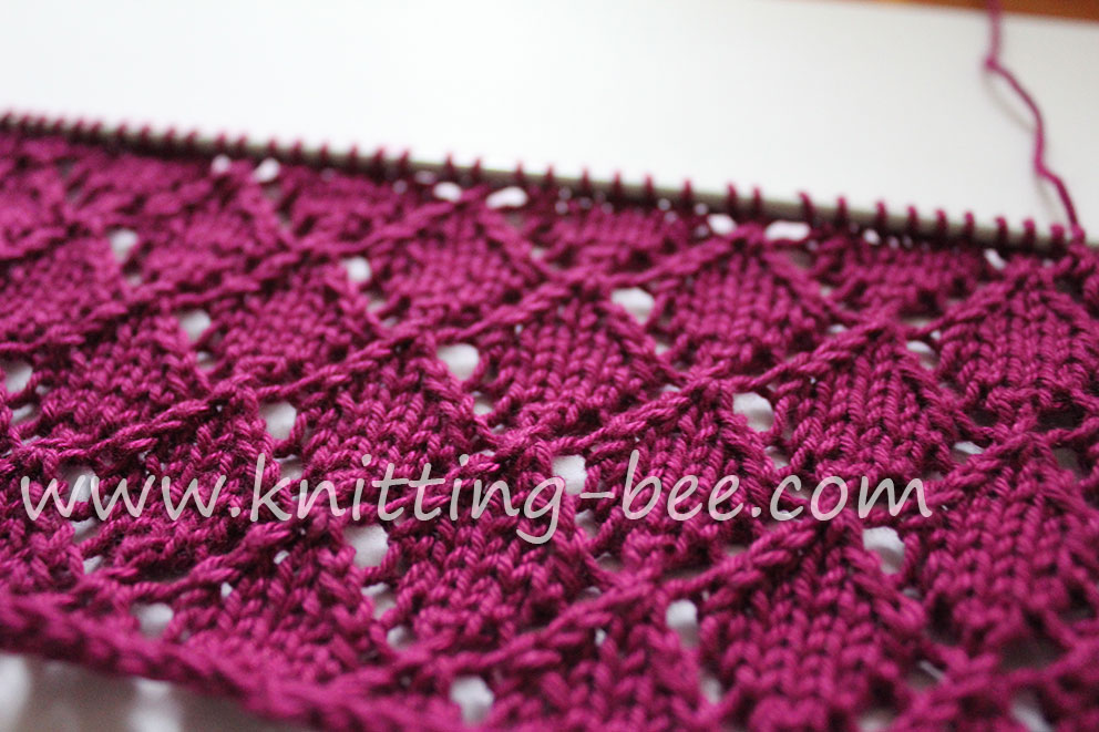 Free lace knitting stitch by http://www.knitting-bee.com/