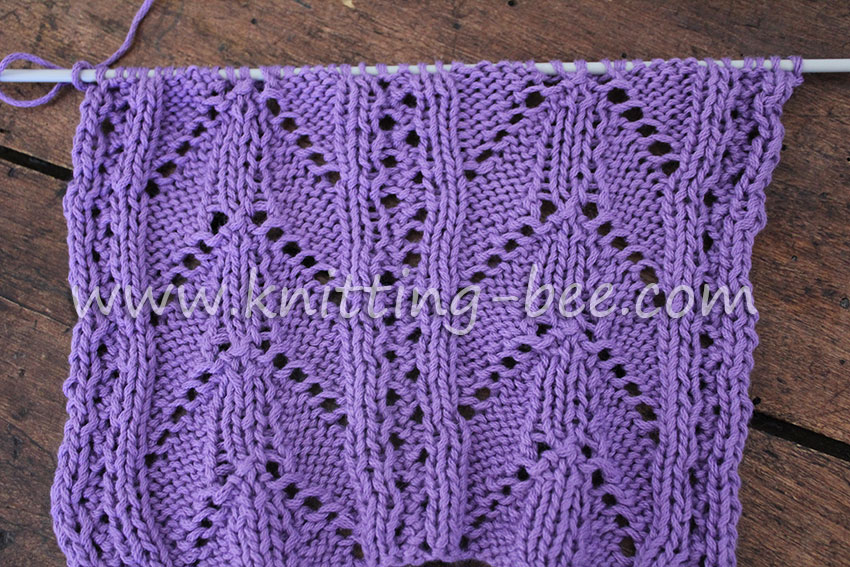 Lacy-Arch-Free-Knitting-Stitch-lace-back