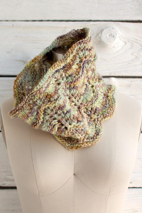 Onda Cowl Free Knitting Pattern