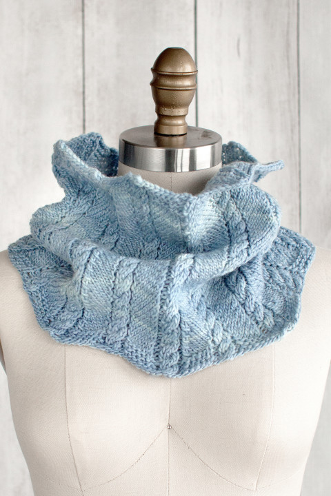 Zigzag Cable Cowl Free Knitting Pattern