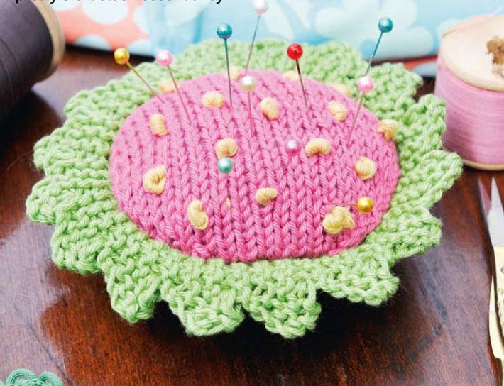 Flower pin cushion free knitting pattern