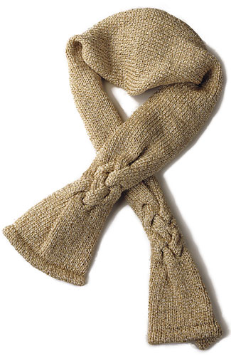 Neck scarf in plaited cable pattern