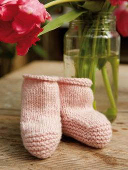 Snowbaby Bootees Free Knitting Pattern