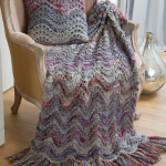Elegant Lapghan & Pillow Feather & Fan Pattern
