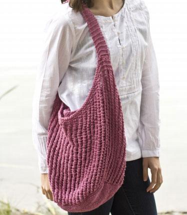 Free knit sunseeker shouder bag