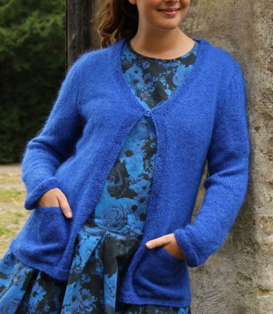 Free-stockinette-cardigan-knit-pattern-with-pockets