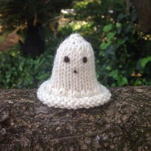 halloween-ghost-knitting-pattern