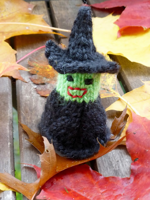little witch halloween knit - Free Halloween Knitting Patterns