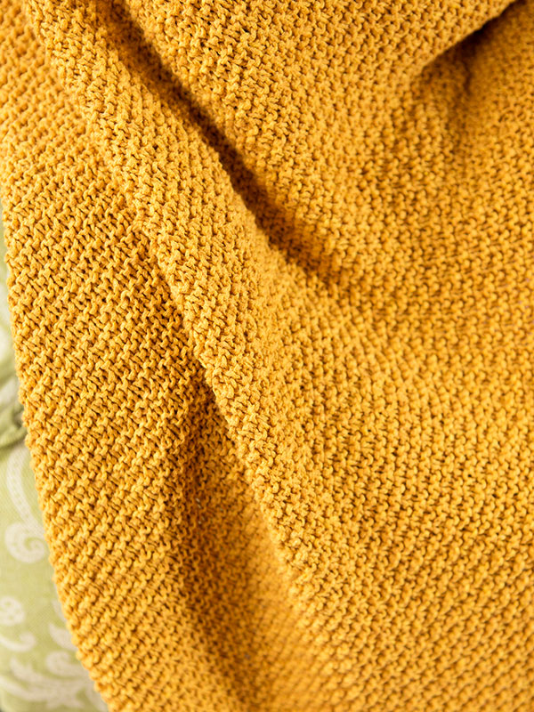 sigrid-textured-knit-and-purl-blanket-free-knitting-pattern-detail