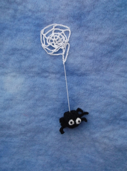 Spider and his web free knit pattern