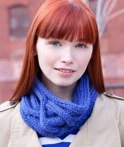 Big Cable Cowl free knitting pattern