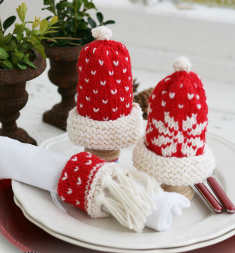 Intarsia Christmas egg warmers and Christmas serviette ring