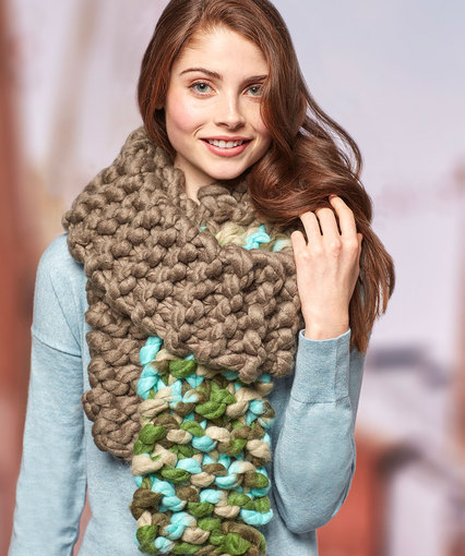 Color Dip Scarf Free Bulky knit pattern