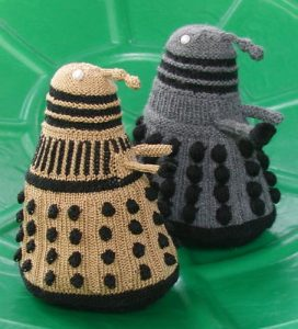 extermiknit-dalek-from-doctor-who-knitting-pattern