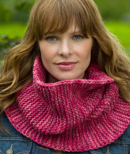 Garter Stitch Cowl Free Knitting Pattern