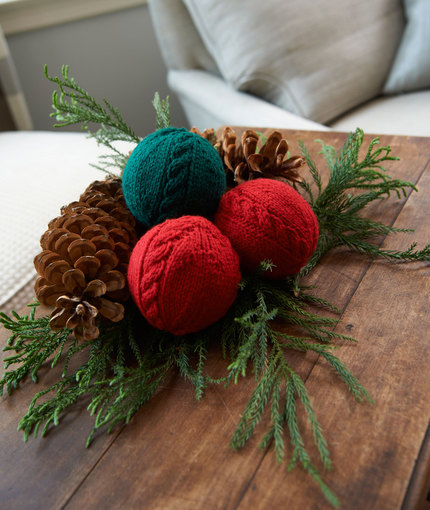 Cabled Holiday Balls Free Knitting Pattern