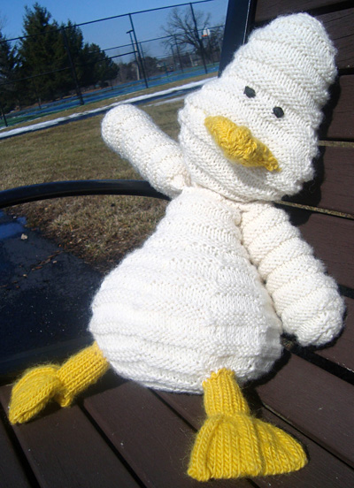 Free Knitting Patterns Toy Duck : 517 free Free Knitted Toy Patterns knitting patterns Knitting Bee Page 54...
