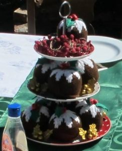 Knitted Christmas Pudding for Free