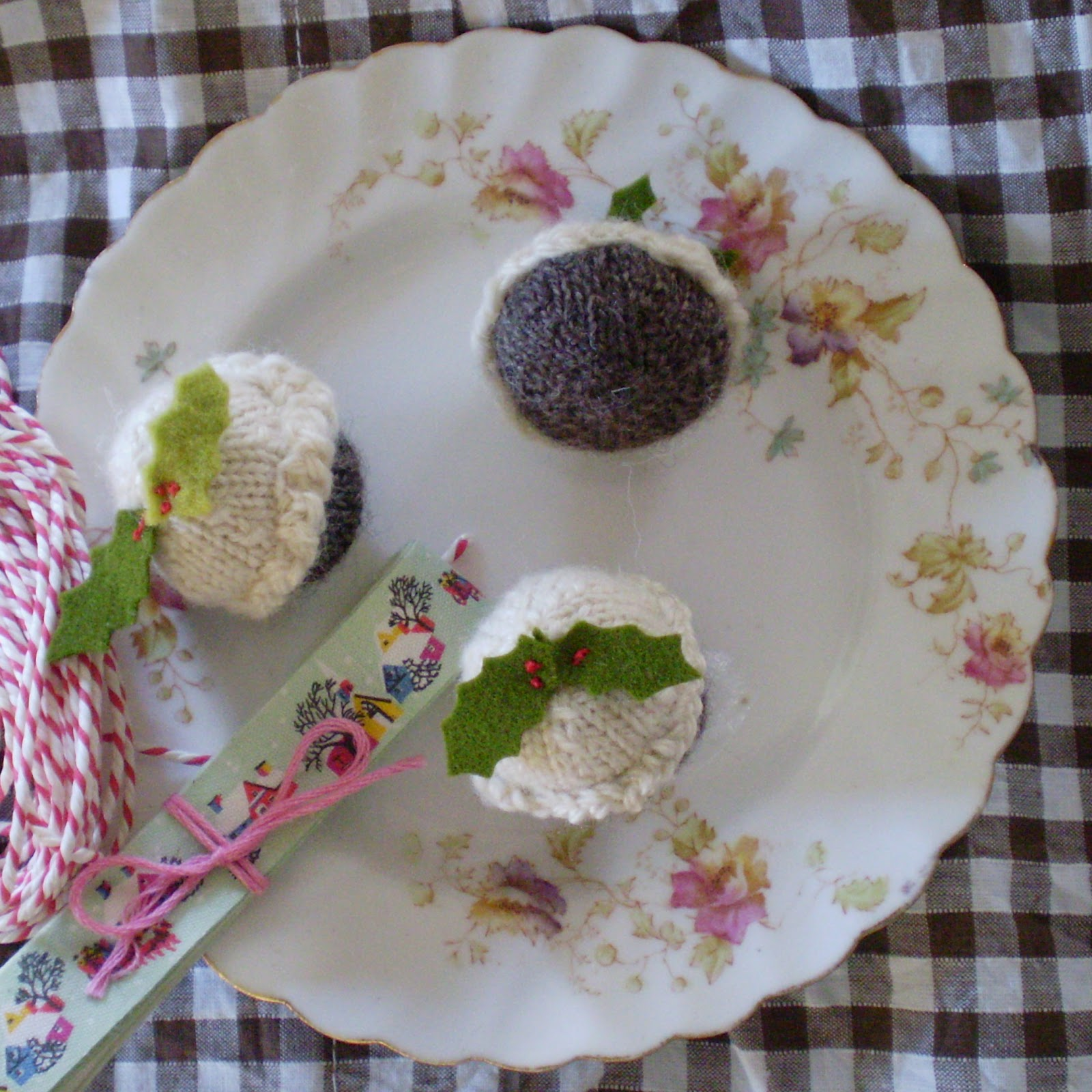 Knitting Pattern For Mini Xmas Pudding : Knitting Patterns Christmas Puddings 14 Free Patterns You ...