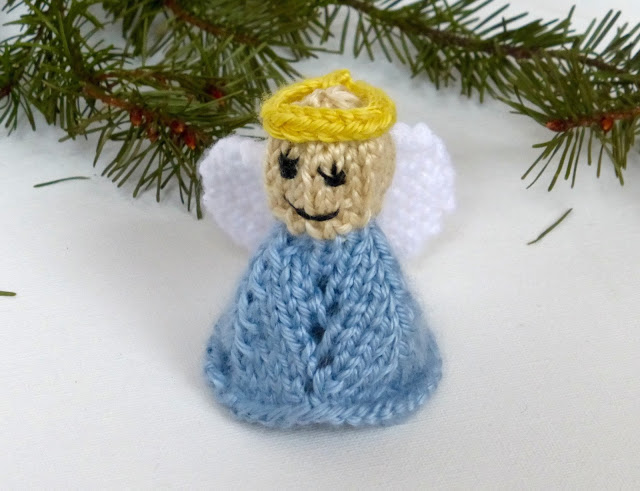 angel knitting pattern for Christmas