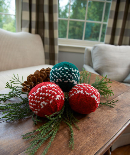 Nordic Holiday Balls Free Knit Pattern