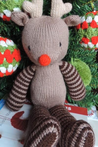 Oisin the Reindeer Free Knitting Pattern