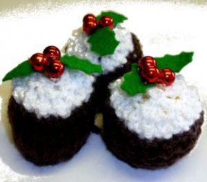 free mini Christmas pudding knitting pattern