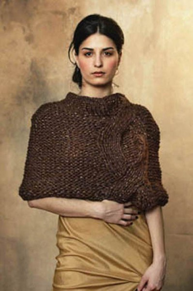 Interweave Knits Fall 2007 – Fern, Moss and Shale Cabled Capelet