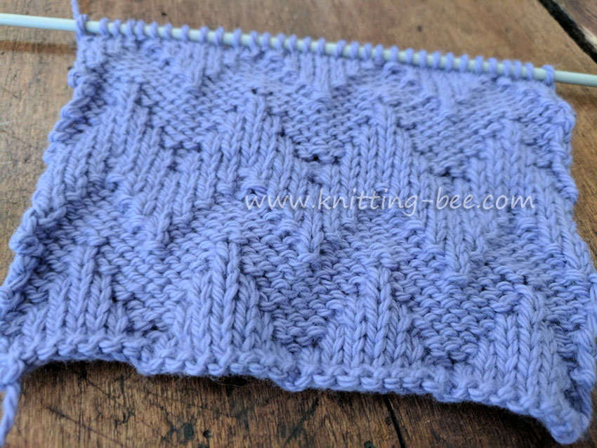 Knit Purl Chevron Free Knitting Stitch by www.knitting-bee.com