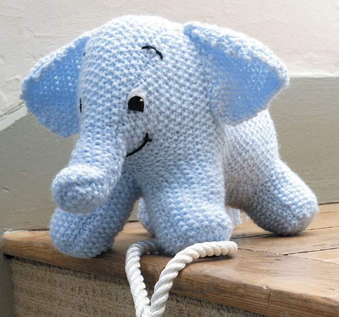 Knitting Pattern For Baby Elephant : Free elephant Patterns ? Knitting Bee (13 free knitting patterns)