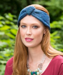 Button Up Knit Headband free knitting pattern