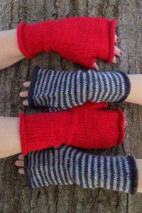 Estilo Fingerless Mitts Free Knitting Pattern Download