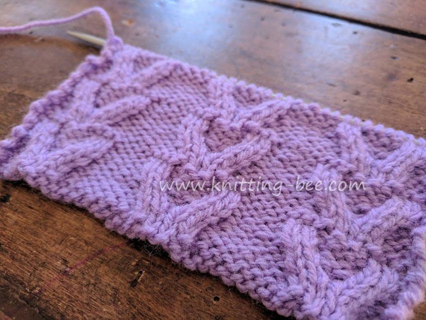Free Cable Knitting Stitch - Horseshoe Stitch by www.knitting-bee.com