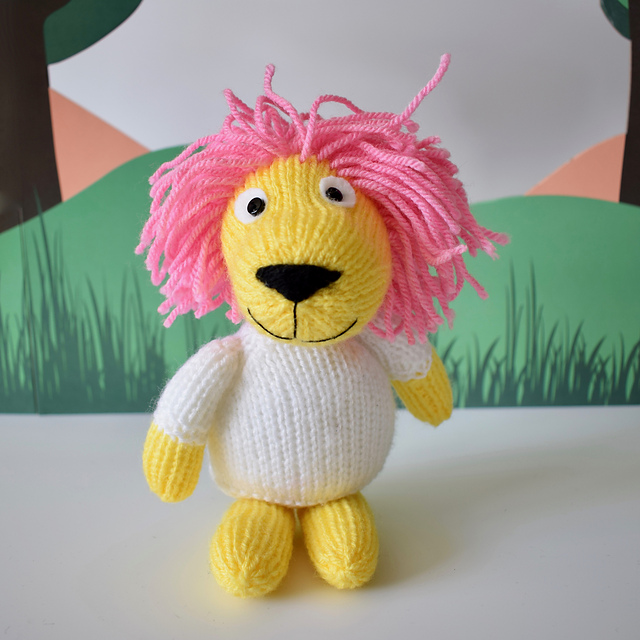 Lionel the Lion Free Knitting Pattern