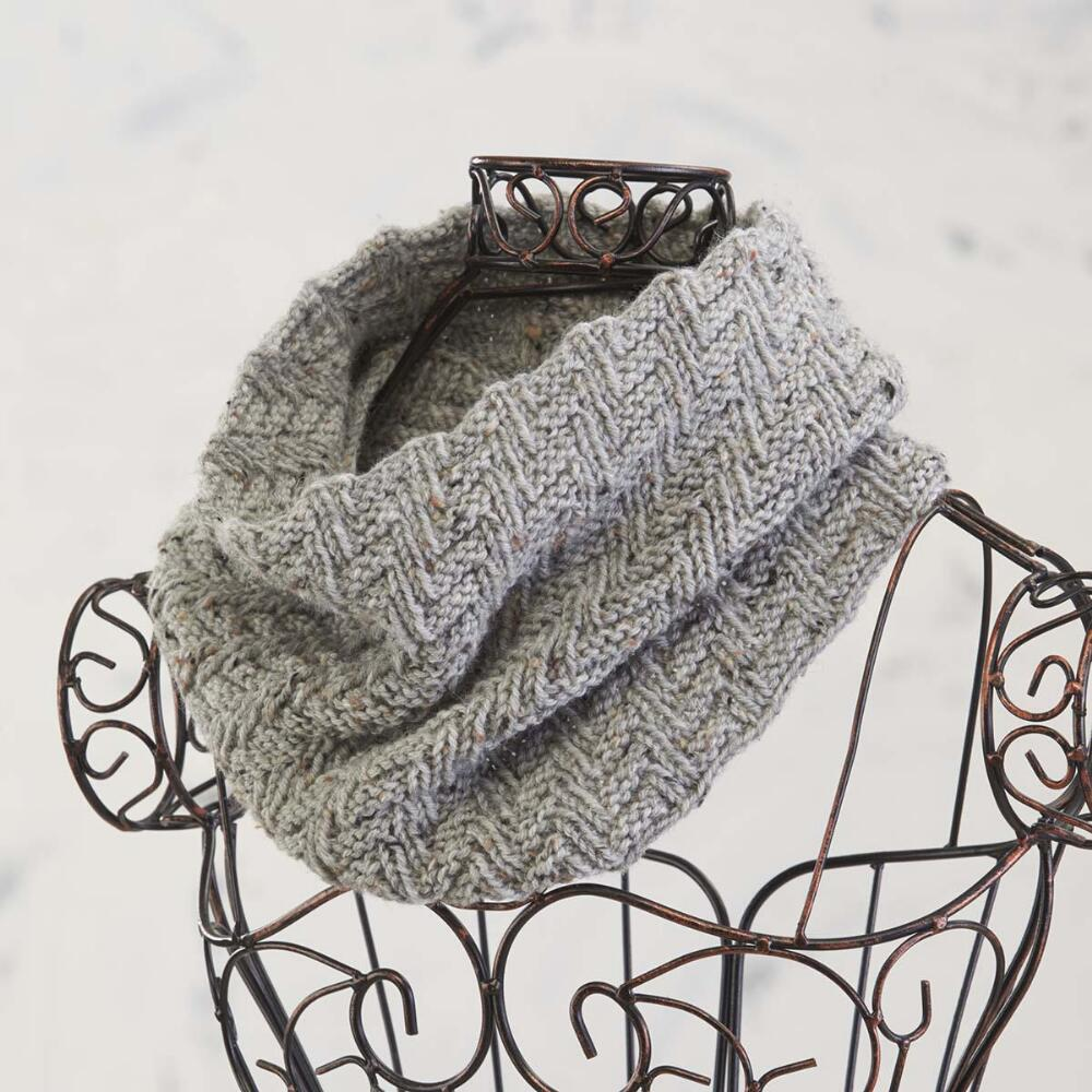 Free free textured cowl knitting pattern Patterns ⋆ Knitting Bee ...