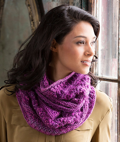 Adore this lacy cowl free knitting pattern
