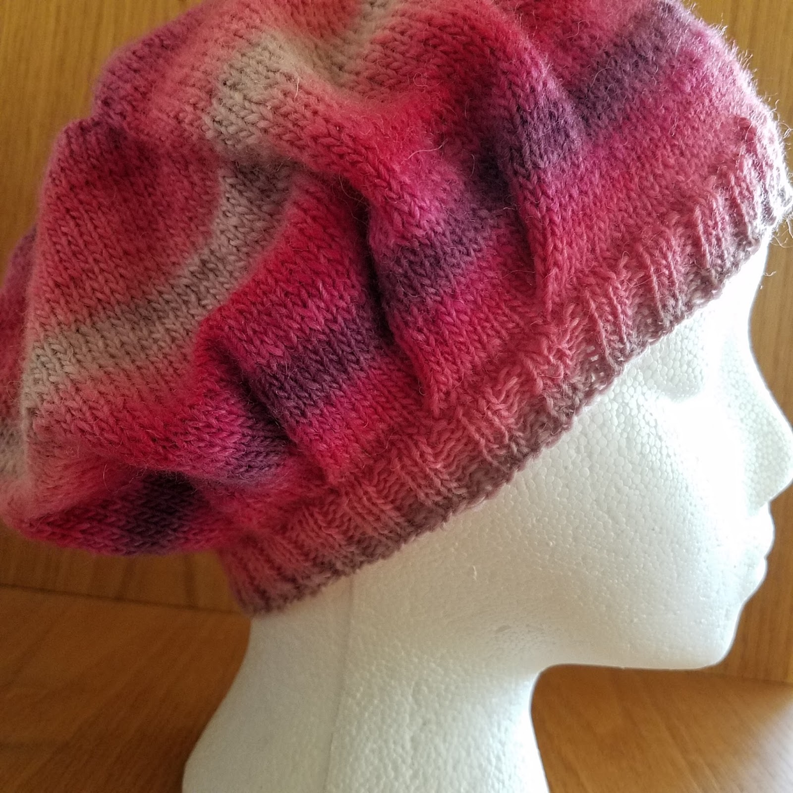 Bella Slouchy Hat Free Knitting Pattern ⋆ Knitting Bee