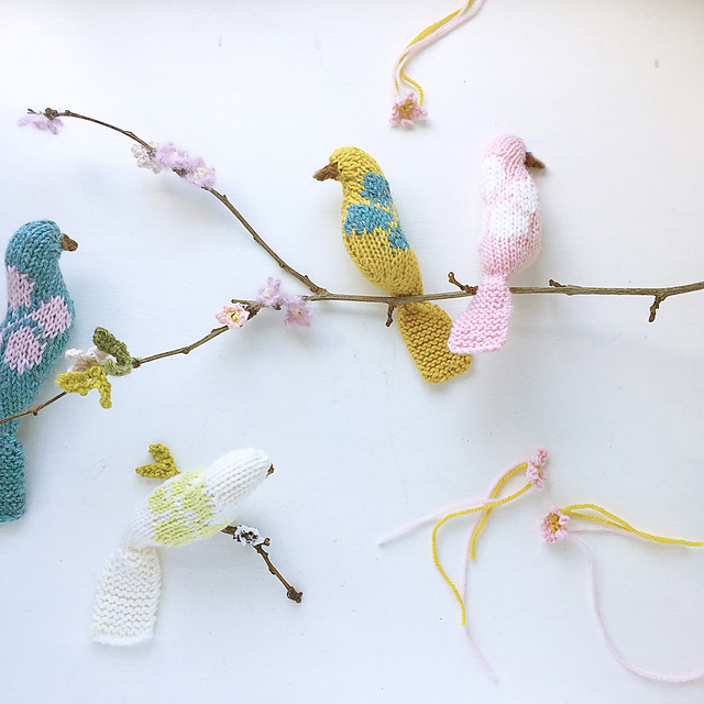 Blossom birds free knitting pattern