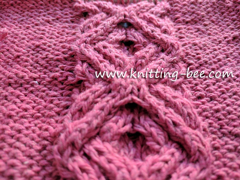 Intertwined Cable Panel Free Knitting Stitch by https://www.knitting-bee.com/knitting-stitch-library/cable-knitting-patterns/intertwined-cable-panel-free-knitting-stitch