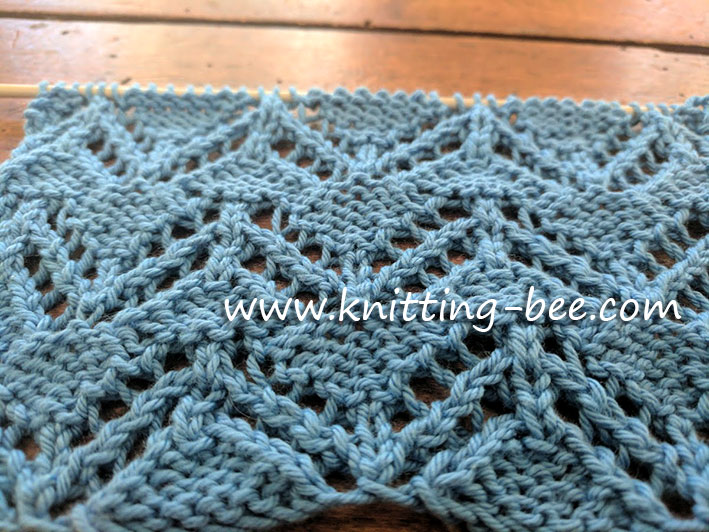Zig Zag Eyelet Free Knitting Stitch https://www.knitting-bee.com/knitting-stitch-library/lace-stitches/zig-zag-eyelet-free-knitting-stitch