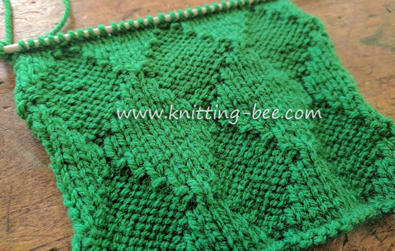 Knit and Purl Diamond Free Knitting Stitch Pattern from https://www.knitting-bee.com/knitting-stitch-library/knit-purl-stitches/knit-purl-diamond-free-knitting-stitch-pattern