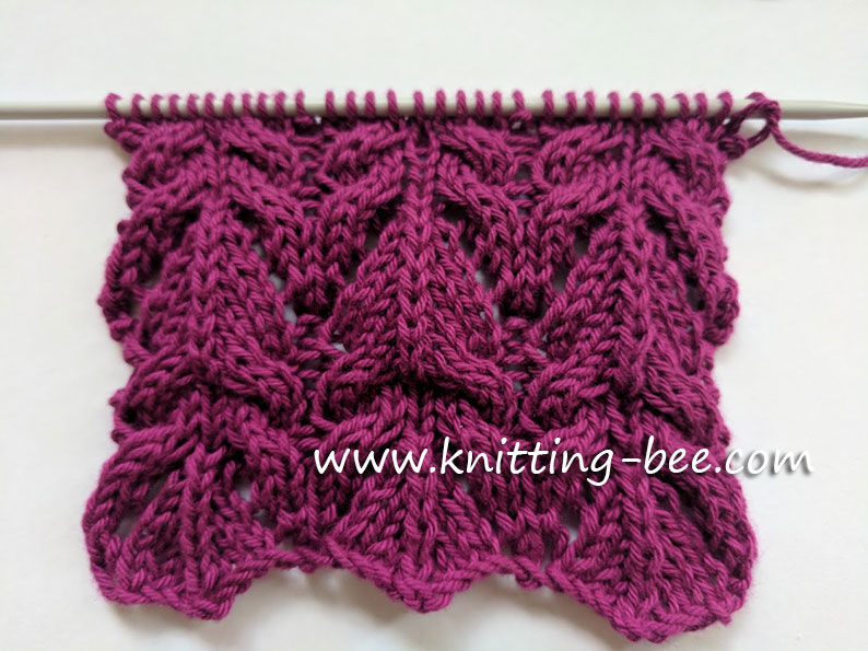 Knitting Bee Stitch Library : Free Cable Knitting Patterns (39 free knitting patterns)