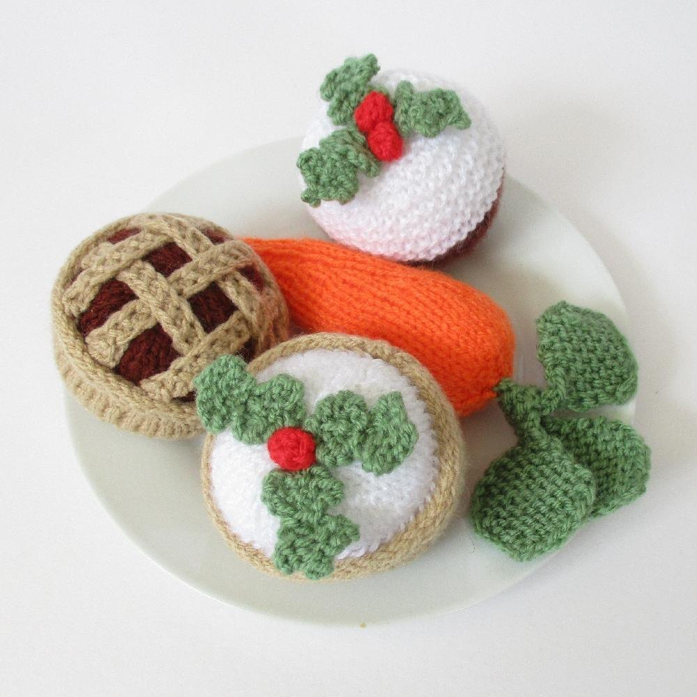 Treats for Santa and Rudolph Free Knitting Pattern