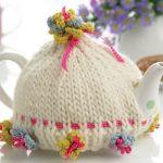 Fower-embellished Tea Cosy Free Knitting Pattern