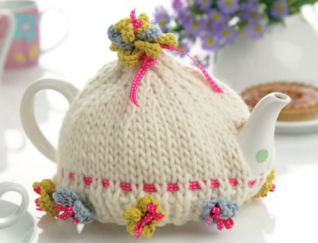 Fower Embellished Tea Cosy Free Knitting Pattern Knitting Bee