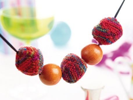 Cute Cubes Necklace Free Knitting Pattern