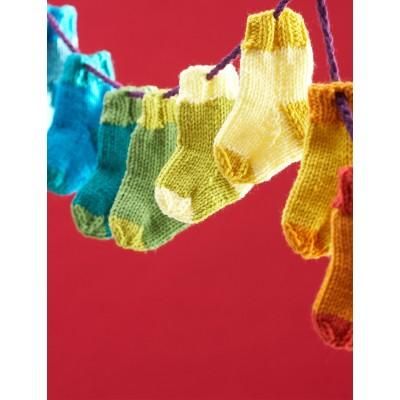 Bernat Mini Stockings Free Christmas Knitting Pattern
