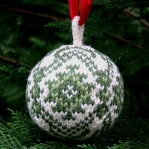 Christmas Balls Free Christmas Knitting Pattern