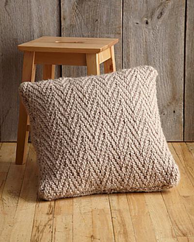 Herringbone Stitch Pillow Free Knitting Pattern & Pillows \u0026 Cushions ⋆ Knitting Bee (57 free knitting patterns) pillowsntoast.com