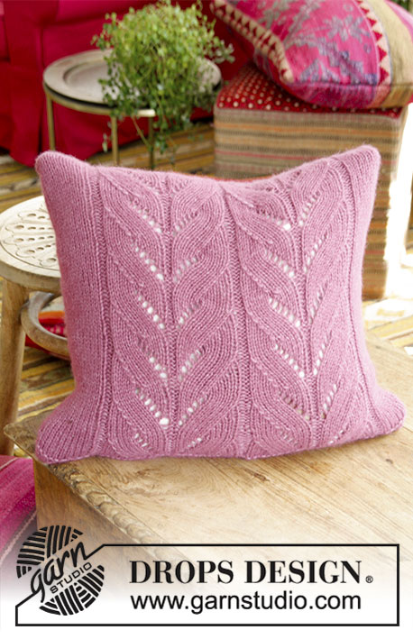 Lotus Pillow Free Knitting Pattern